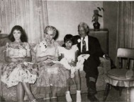 Diamantis and Yanoula Chlentzos and granddaughters