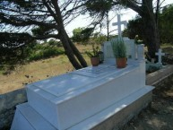 Family Plot Abraham Bambouglou, Ag. Anastasia (1 of 2)