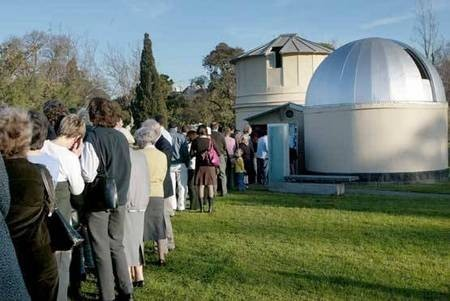 Venus - the PLANET - crowds gather at the Melbourne Observatory, Australia, to gain a unique view of the Transit of Venus through the telescope. - Venus Transit Crowds gather at the Melbourne Observatory. Photo  Michael Clayton-Jones