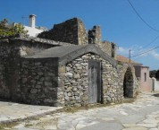 houses near the church of Agios Anasthasios