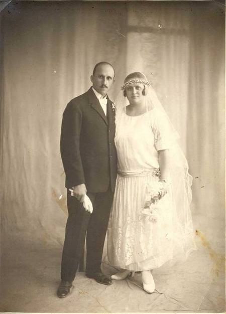 Wedding photo of George & Eleni Vamvakaris, 1924