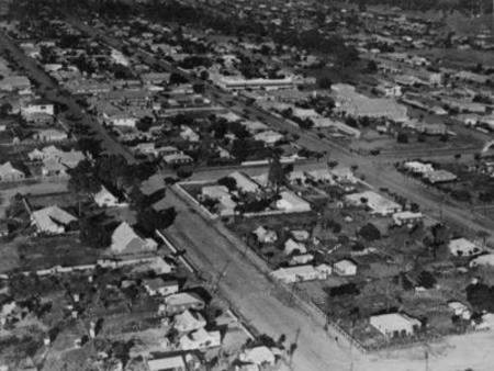 Aerial views of the town centre Charleville, 1934.