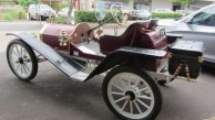 One of the antique cars that made the journey to Bingara