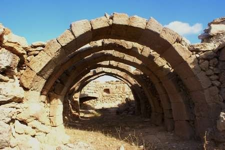 Ruine with arches in Palaiopoli