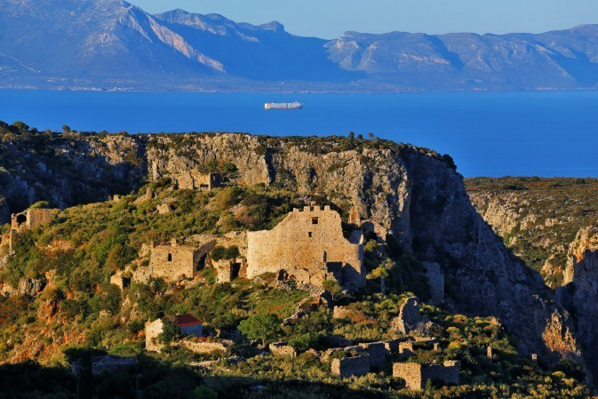 FOR PEOPLE VISITING KYTHERA IN AUGUST ..