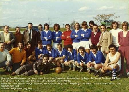 Spyro Calokerinos in 1974, amongst some committee members and team